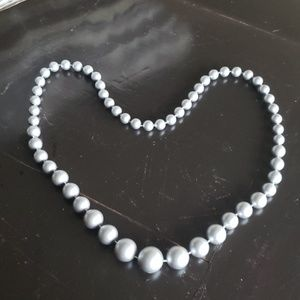 Jewelry - VINTAGE FAUX PEARL GRADUATED BEADS IN SILVER